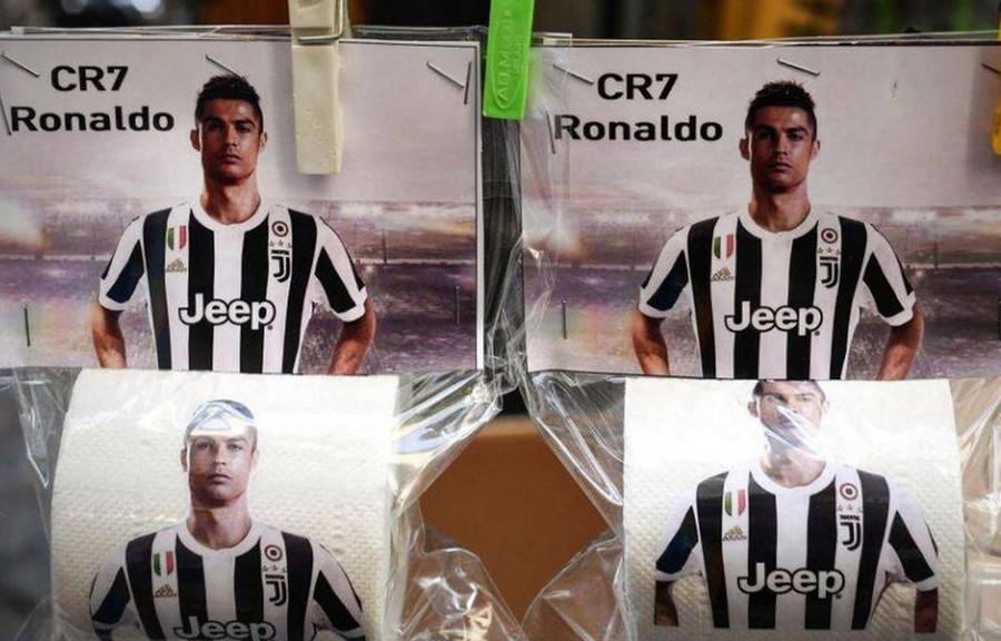 Nach Juventus-Transfer: Erzrivale Neapel bringt Toilettenpapier mit Cristiano Ronaldo auf den Markt