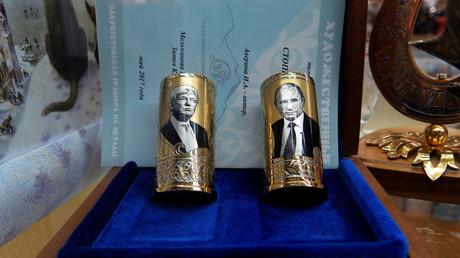 Souvenir aus Russland: Trump und Putin