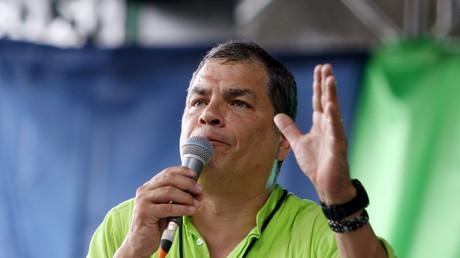 Ecuadors ehemaliger Präsident Rafael Correa spricht während eines Kongresses für seine Partei Alianza Pais in Esmeraldas, Ecuador, am 3. Dezember 2017.