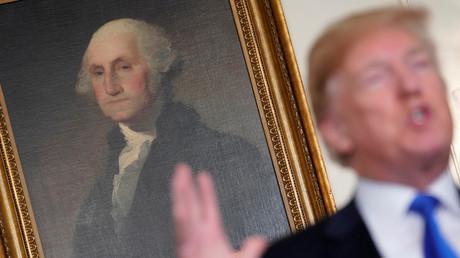 Donald Trump vor der Unterzeichnung eines Memorandums auf Zölle für chinesische Hightech-Produkte, Washington, USA, 22. März 2018.