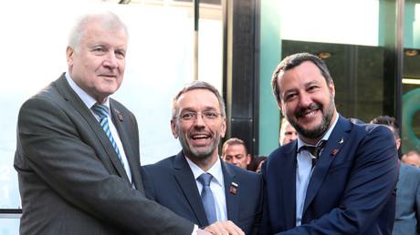 Die Amtskollegen Horst Seehofer, Herbert Kickl und Matteo Salvini vor dem Treffen mit EU-Kollegen in Innsbruck: Alle drei wollen eine Verschärfung der EU-Asylpolitik. Der Schutz der Außengrenzen steht ganz oben auf der Agenda.
