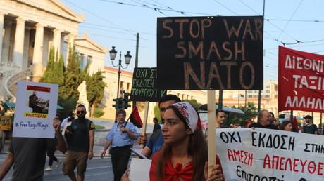 Die transatlantische Bewunderung für Griechenland stößt auf wenig Gegenliebe unter der Bevölkerung: Proteste in Athen anlässlich des NATO-Gipfels.