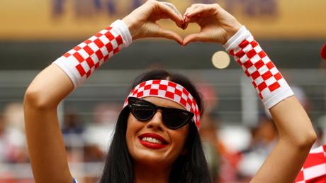 Ein Anhängerin der kroatischen Mannschaft während des Finalspiels gegen Frankreich.