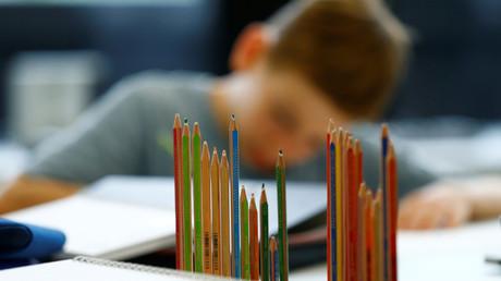 Stille Pausen und klassenweise antreten: Schule in England führt strengere Verhaltensregeln ein (Symbolbild)