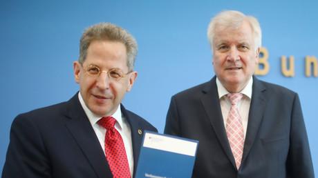 Bundesinnenminister Horst Seehofer und Hans-Georg Maassen, Präsident des Bundesamtes für Verfassungsschutz, stellen den Verfassungsschutzbericht vor, 24. Juli 2018.