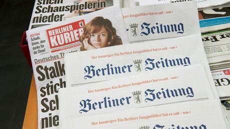 Redaktionen der Hauptstadtblätter der Mediengruppe DuMont -  der Berliner Kurier und die Berliner Zeitung - wurden 2016 in eine neu gegründete Berliner Newsroom GmbH zusammengelegt. Dutzende Stellen fielen weg.