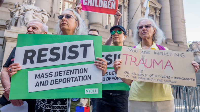 USA: Bürgermeister weist Polizei an, nicht auf Gesuche der Einwanderungspolizei zu reagieren (Video)