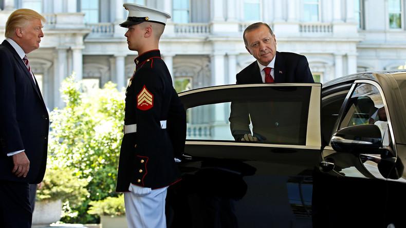 USA sanktionieren Türkei aus Angst vor wachsender Kooperation mit Russland, Iran und China