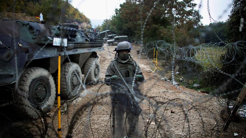 KFOR-Sodaten überwachen Talsperre Gazivoda im Kosovo