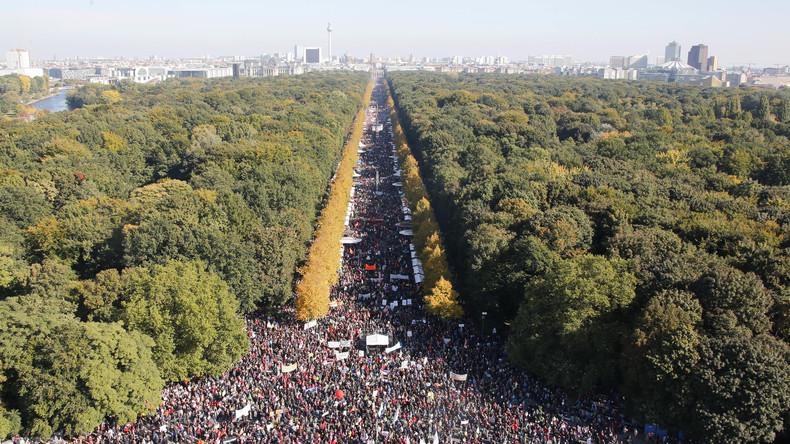 """Wagenknecht: Sammlungsbewegung lehnt """"grenzenlose Willkommenskultur"""" ab"""