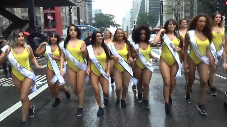 """Eröffnung von """"Miss Bum Bum"""": Teilnehmerinnen laufen in Sao Paulo um die Wette"""