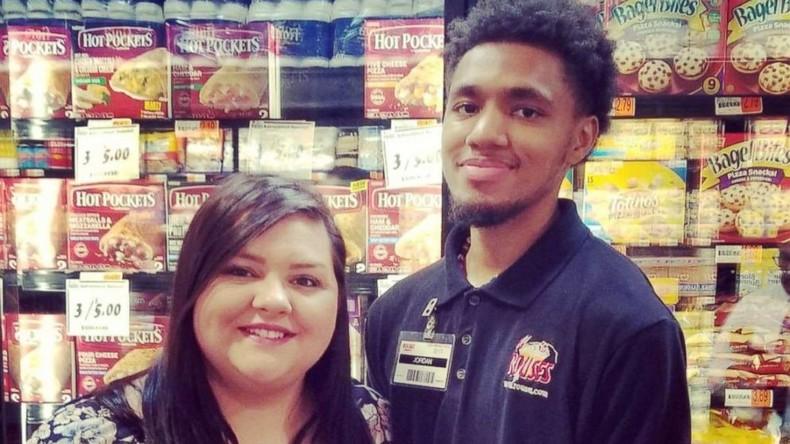 Autist darf im Supermarkt Regale auffüllen – Familie sammelt über 100.000 Dollar für Angestellten