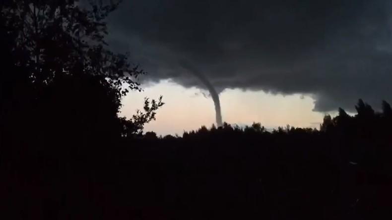 Russland: Tornado über dem Ladogasee