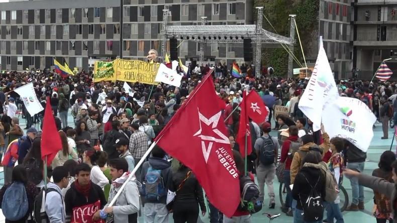 Kolumbien: Protest von FARC-Anhängern gegen die Amtseinführung des neuen Präsidenten