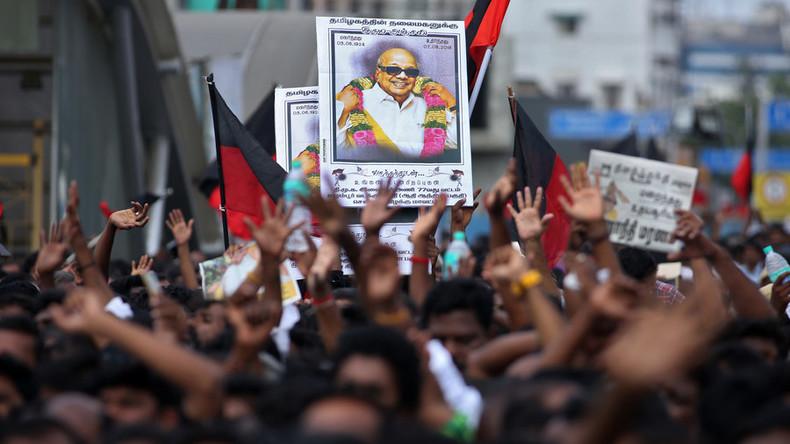 Indien: Mindestens zwei Tote bei Beerdigung einer Politikone