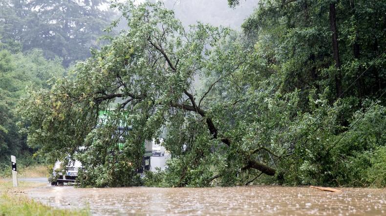 Deutscher nach Unwetter in Südfrankreich vermisst - Suche wird mit Hubschrauber fortgesetzt
