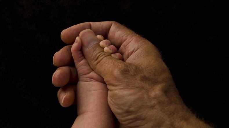 Neue Studie: Auch Männer leiden an postnataler Depression