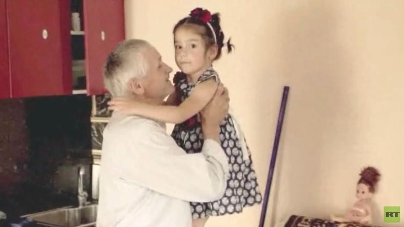 Das Leben nach dem IS: RT besucht Kinder, die aus Syrien in ihre Familie zurückkehrten (Video)