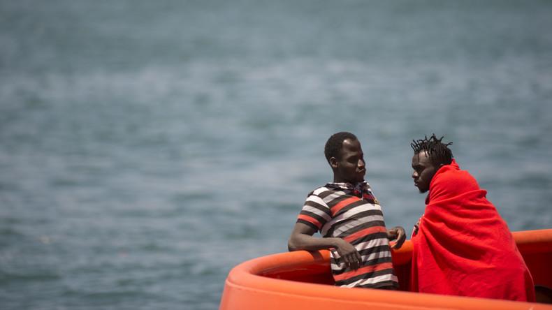 Holzboot mit Migranten kentert vor Spaniens Küste: Alle neun Insassen gerettet