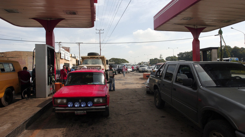Ende der Ära: Maduro kündigt höhere Benzinpreise an – und sichert staatliche Unterstützung zu