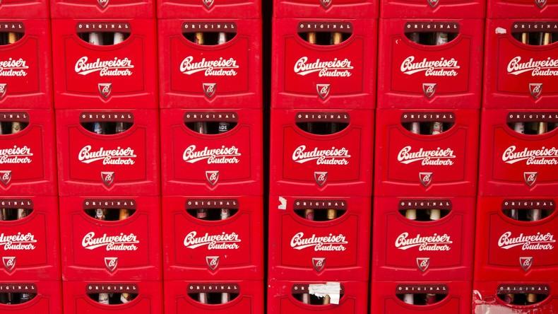 US-Brauerei sponsert Kühlschränke voll Freibier – die sich nur öffnen, wenn Footballmannschaft siegt
