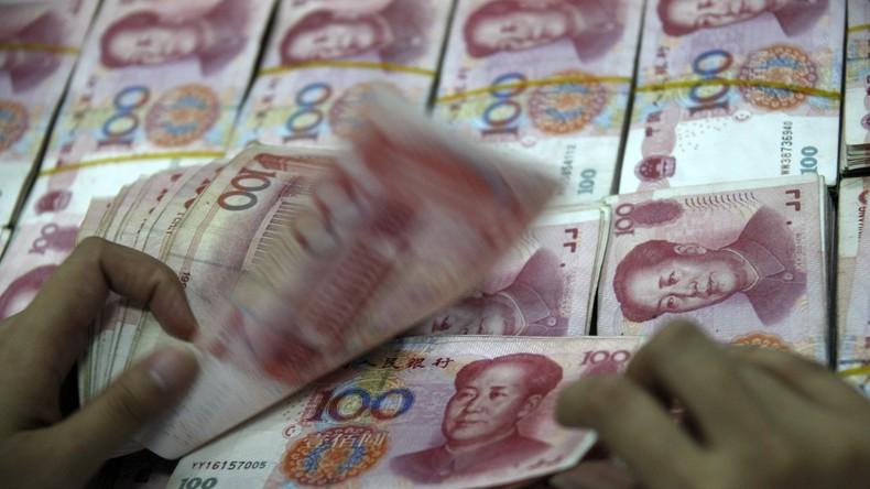 China: Arbeitsloser Vater und Opa drucken Falschgeld, um krankem Mädchen zu helfen