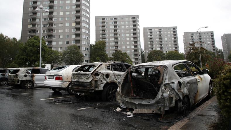 Schweden: Brennende Autos bestimmen den Wahlkampf - Stecken die Russen dahinter?