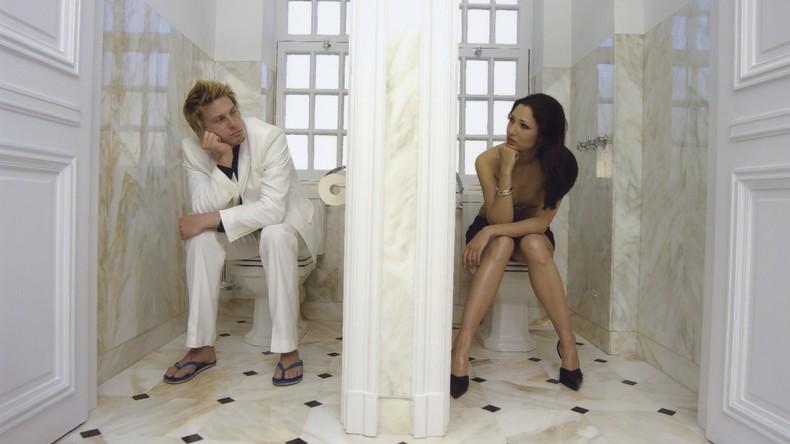 Doppelter-Griff-ins-Klo-Ex-Freund-stiehlt-nach-Trennung-WC-Sch-ssel-aus-Wohnung-der-Verflossenen
