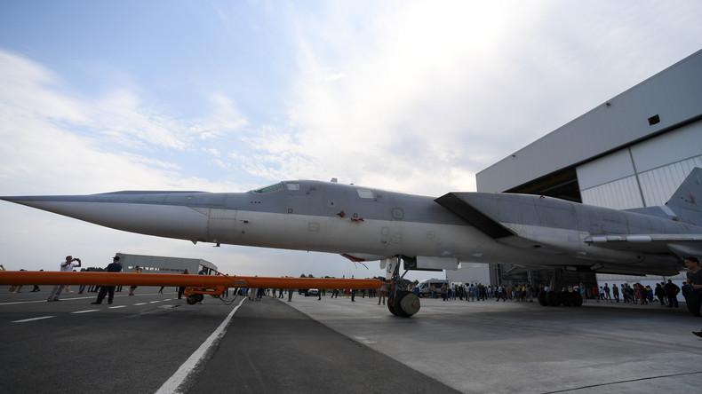 Erstes-Rollout-Russland-stellt-modernisiertes-Bombenflugzeug-Tu-22M3M-vor