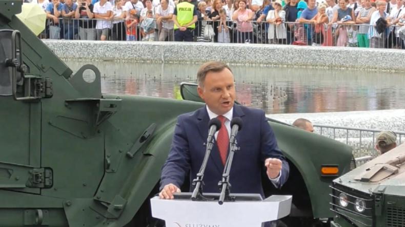 """Polen: Präsident fordert permanente US-Militärbasis - """"Freuen uns über starke amerikanische Präsenz"""""""
