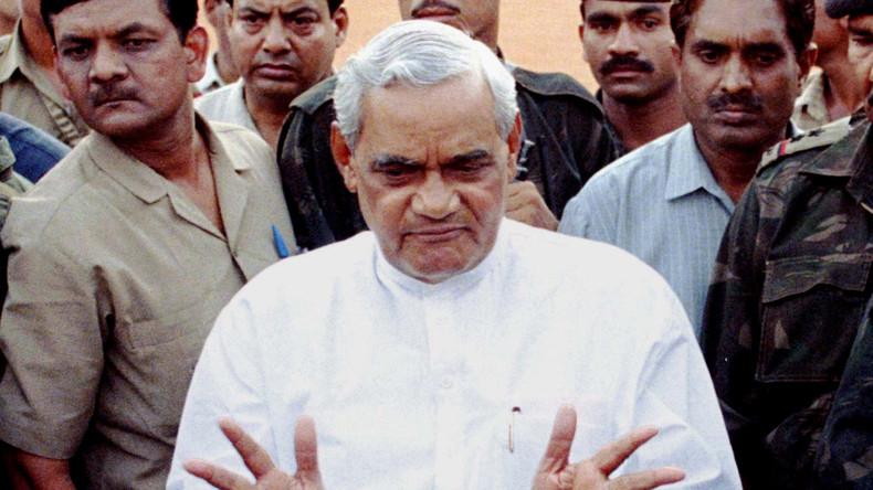 Fr-herer-indischer-Regierungschef-Vajpayee-mit-93-Jahren-gestorben