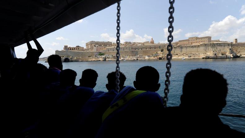 """Rettungsschiff """"Aquarius"""" fährt wegen Flaggen-Frage nach Marseille"""