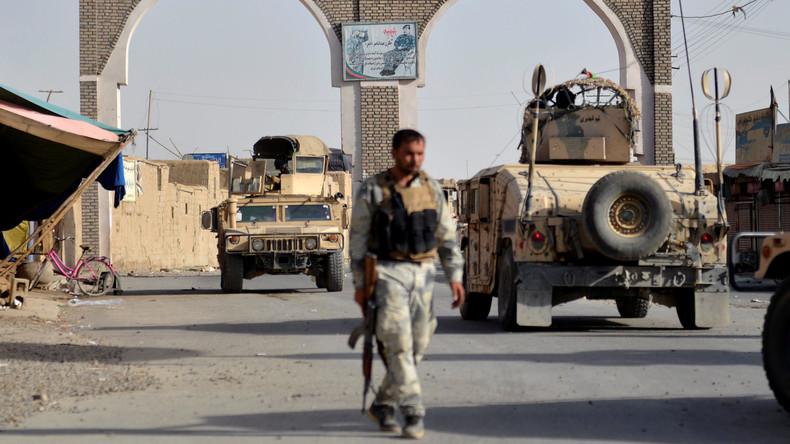 Taliban entführen mehr als 100 Buspassagiere
