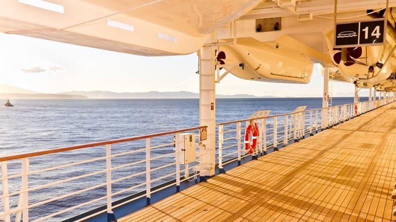 Frau über Bord! Britische Touristin überlebt zehn Stunden in kroatischer Adria