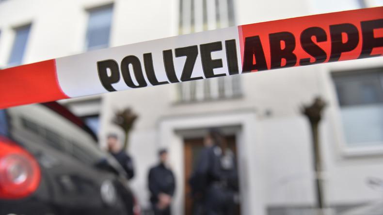 Düsseldorf: 36-Jährige stirbt nach Messerattacke - Verdächtiger flieht