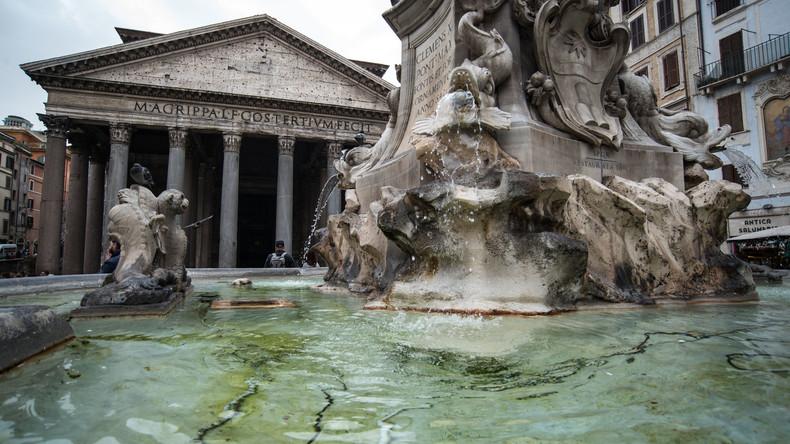 """""""Italien ist kein Badezimmer!"""" - Matteo Salvini wütend über Touristen im Brunnen"""