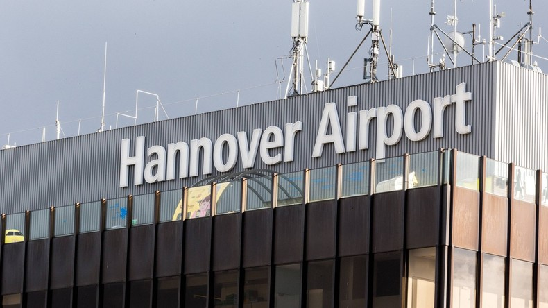 Flughafen Hannover: Zoll findet Schädel in Koffer
