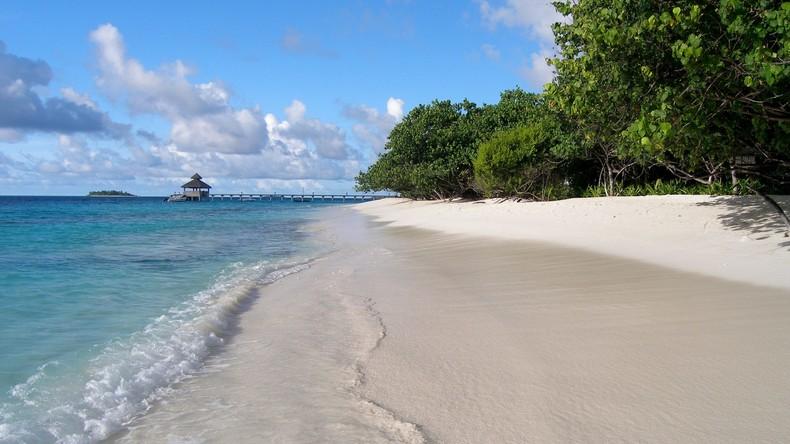 Geiseln im Paradies: Hotel auf Malediven hilft Urlaubern, ihren Reisepass zu vernichten