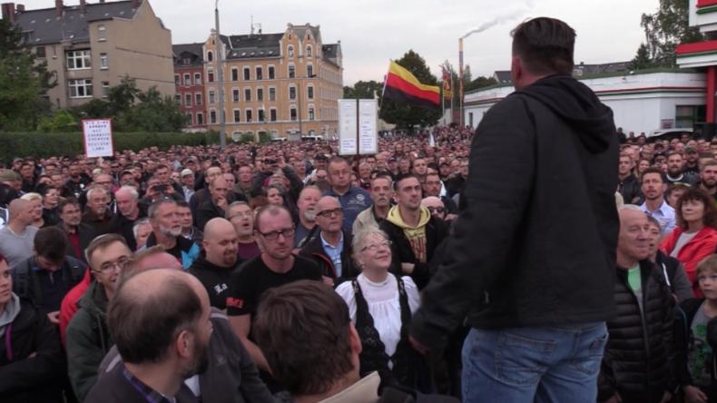 """Chemnitz: """"Wir fühlen uns nicht mehr sicher""""- Erneut protestieren Hunderte gegen Migrationspolitik"""