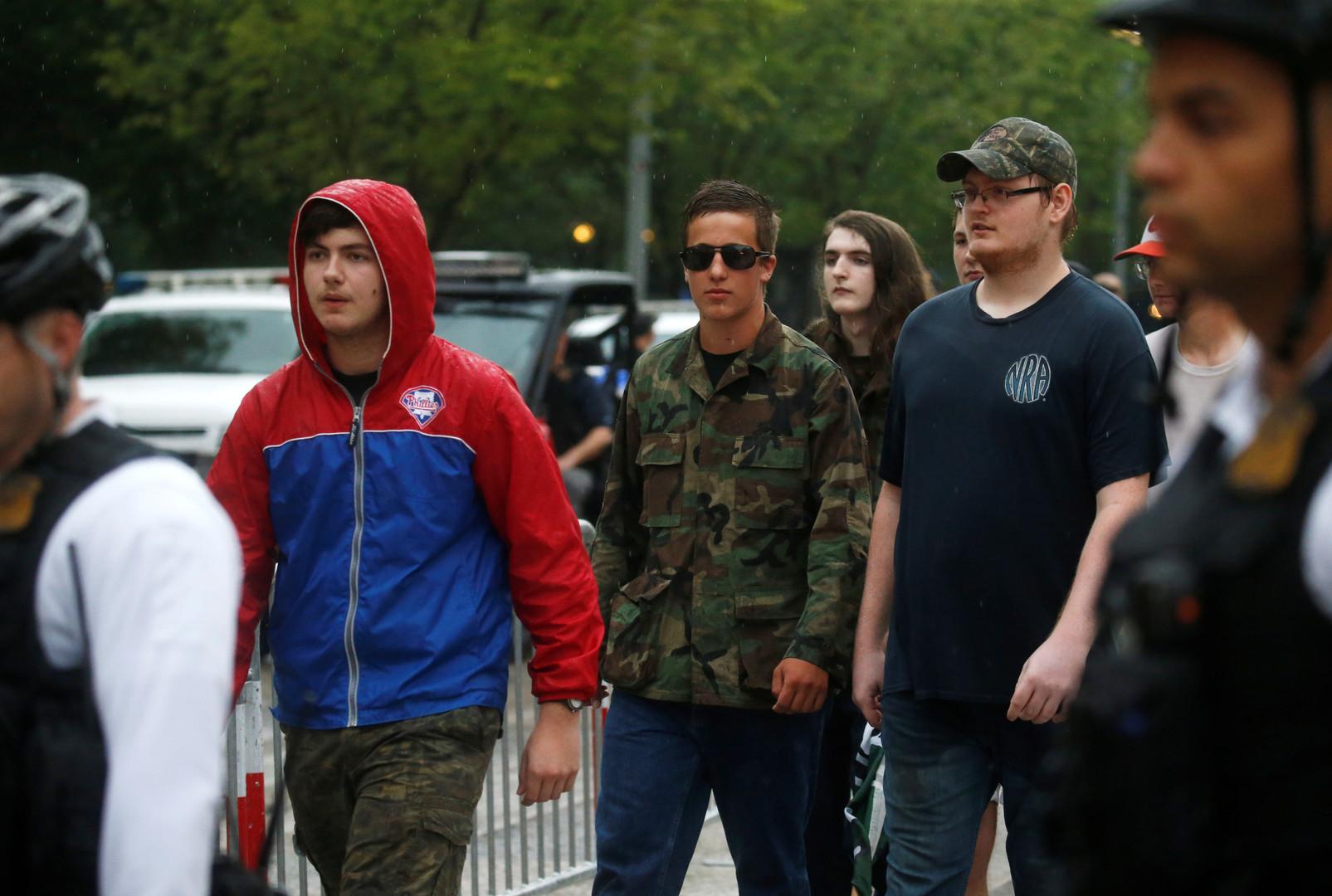 """Teilnehmer der """"Weißen Nationalisten"""", Washington, USA, 12. August 2018."""