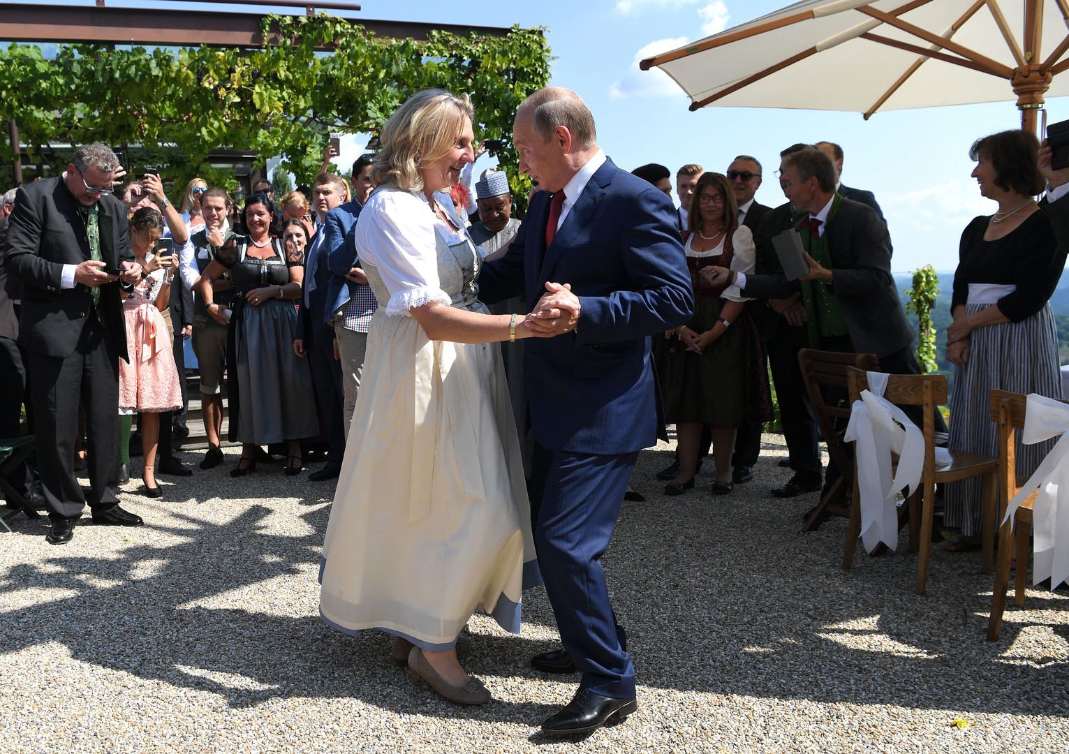Hochzeitstanz mit Wladimir Putin