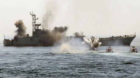 Iranische Kriegsschiffe bei einer Übung am Persischen Golf, Iran, 22. April 2010.