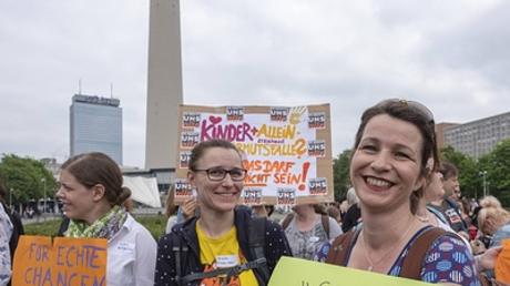 Alleinerziehende besonders betroffen: Demonstration gegen Kinderarmut in Berlin, Mai 2018