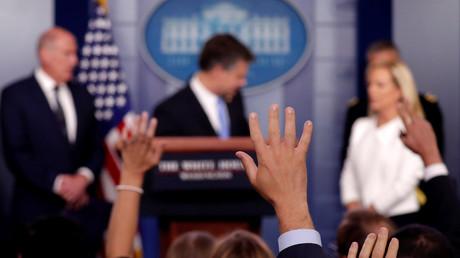 """US-Geheimdienste positionieren sich gegen """"russische Einmischung"""" (Video)"""