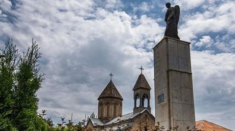 Trauernder Engel, ein Denkmal für die Opfer des georgisch-ossetischen Konflikts, Zchinwali