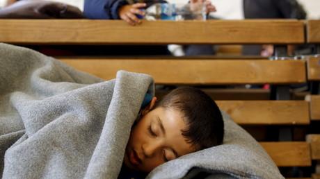 Schlafendes Flüchtlingskind in Gevgelija, Mazedonien, 18. Februar 2016.