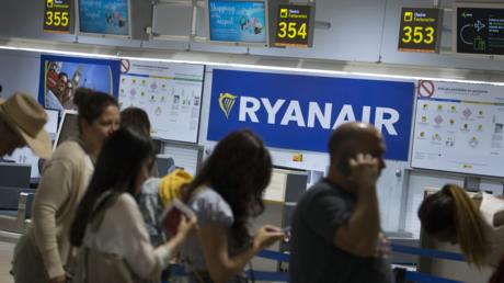 Gestrandete Passagiere während des Flugbegleiterstreiks in Spanien, Juli 2018
