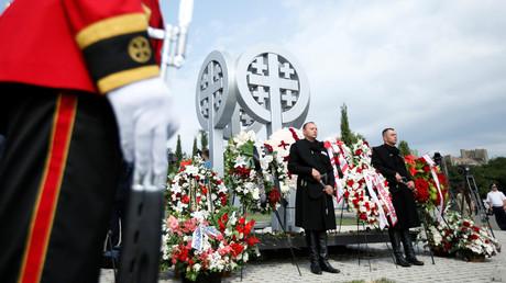 In Tiflis wird mit einer Kranzniederlegung anlässlich des 10. Jahrestages des von Georgien begonnen Krieges den dabei getöteten georgischen Soldaten gedacht.