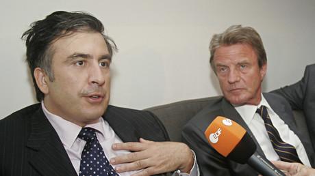 Zum Angriff hingerissen? Saakaschwili mit dem damaligen französischen Außenminister Bernard Kouchner am 10. August 2008