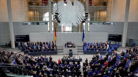 Wem dienen die Parteien, wenn sie große Spenden von Unternehmen erhalten? (Symbolbild: Bundestag )